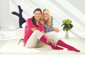 Mediven550 Freundinnen lachen in die Kamera Sanitätshaus Wurst